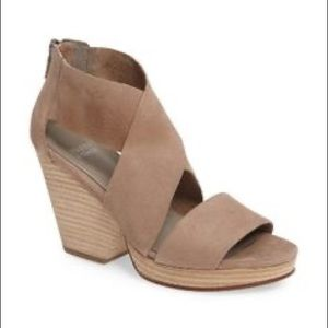 NWT Eileen Fisher Taupe Suede Stacked Heels Sz 11